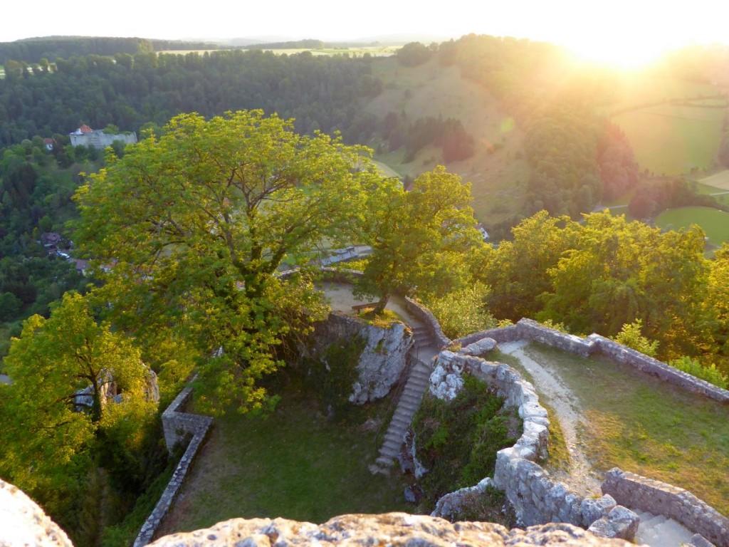 Der Sonnenuntergang vom Bergfried der Burg aus