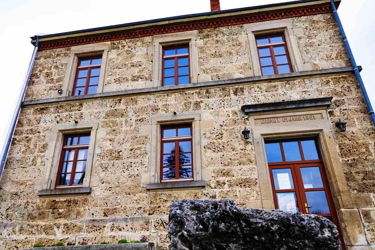 alte Schulhaus Gruorn