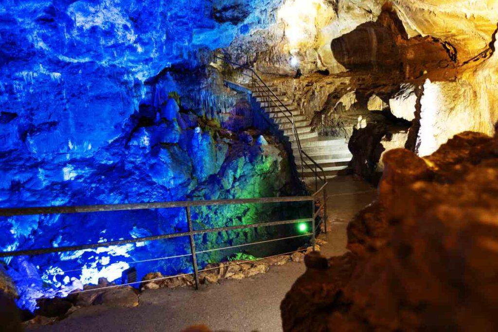 In der Bärenhöhle