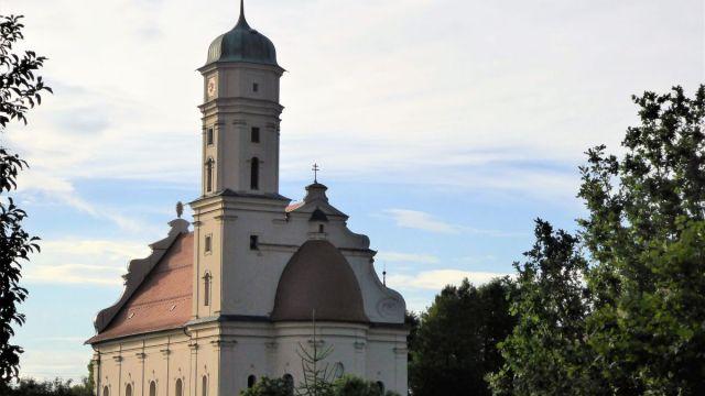 Die Kirche von der Rückseite fotografiert