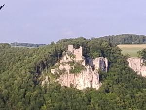 Blick auf Ruine Reußenstein