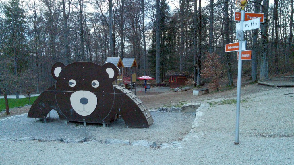 Spielplatz an der Bärenhöhle